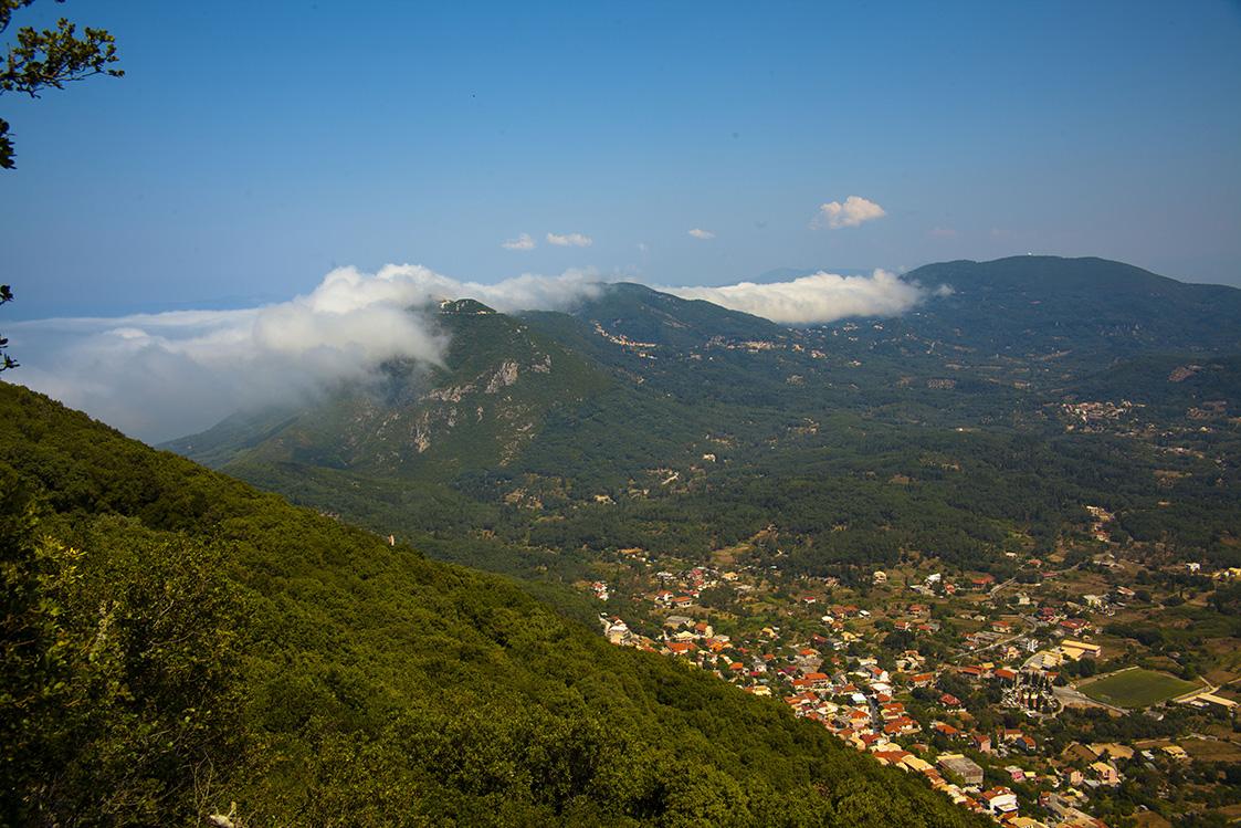Erkundigen Sie auf einer Ihren Wanderungen den Berg von Agios Matthäus