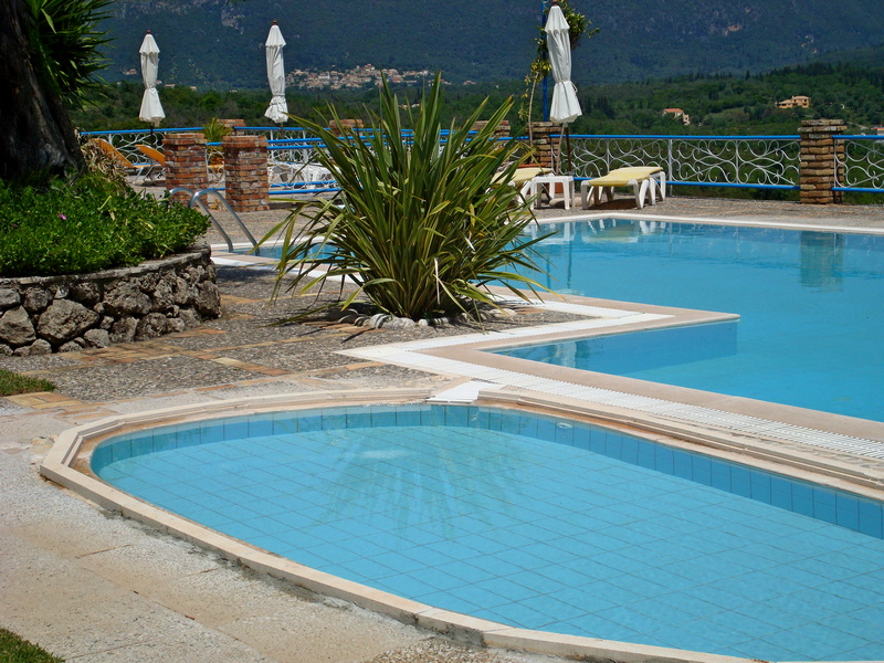 Pool und Kinderpool Villa Fundana Liapades